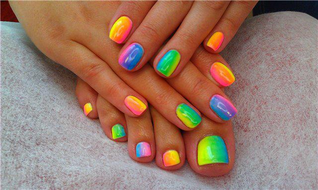 Post image for Make a Statement with Summer Nail Trends