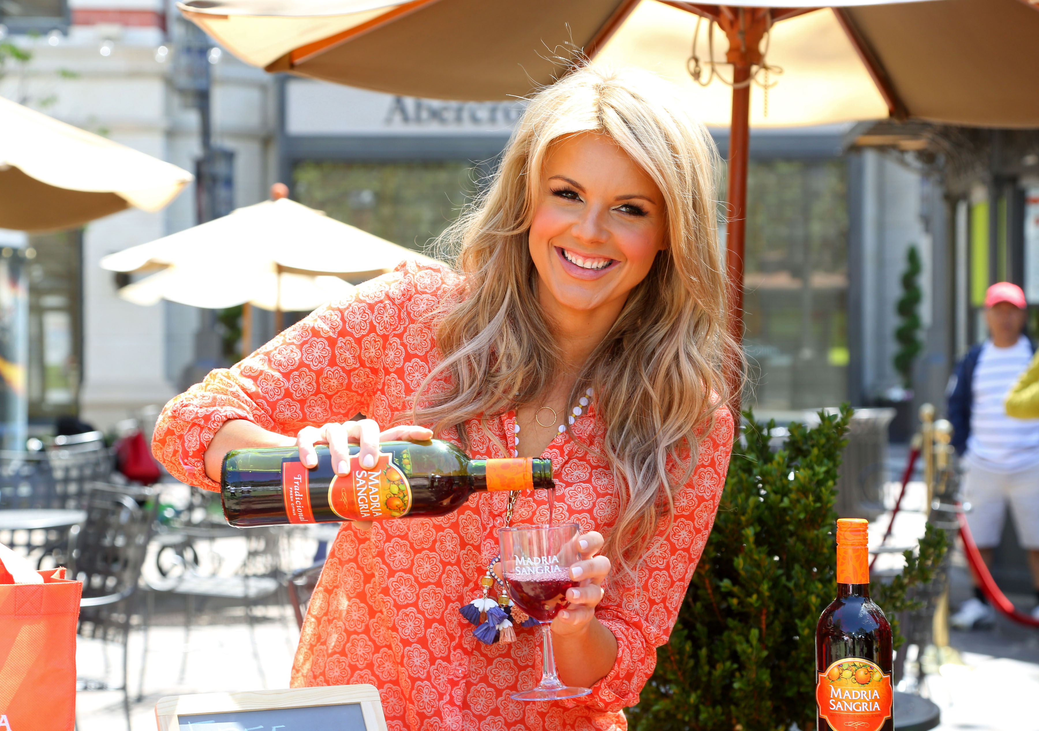 Post image for Ali Fedotowsky's Cocktail of Choice